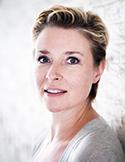 Katrien De Becker1